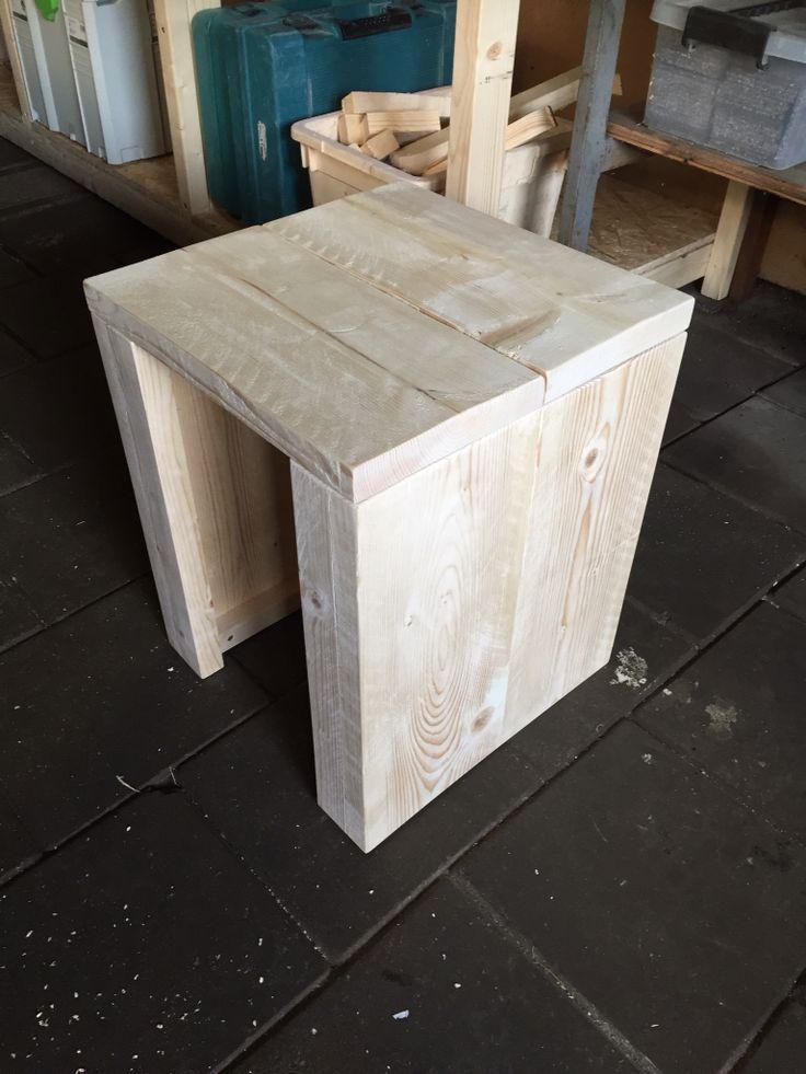 Kruk gemaakt van steigerhout