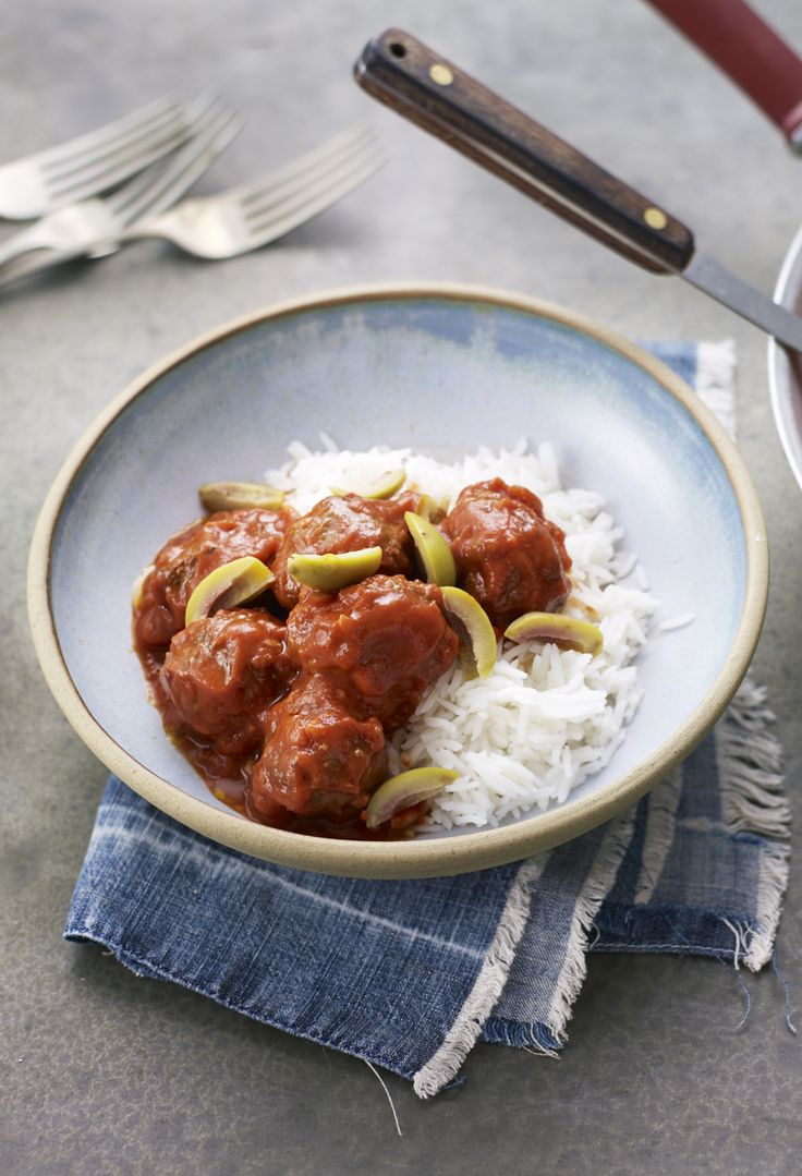 These spiced meatballs from Greece have a warming cinnamon-y tomato sauce.
