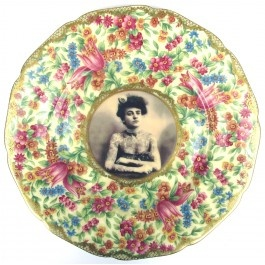Hand customised vintage plate art.  Fab hung on a wall or displayed along a dresser!
