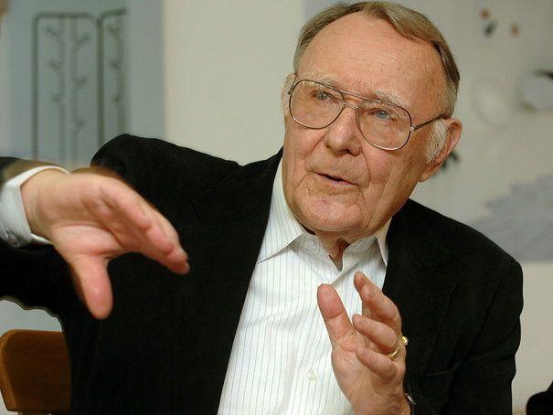 Ingvar Kamprad: 42,7 milliards de dollars    L'homme le plus riche de Suède est quatrième au niveau mondial, avec une richesse estimée à 42,7 milliards de dollars, en hausse de 15% sur un an. Ingvar Kamprad est propriétaire du géant de l'ameublement Ikea qui a engrangé 33 milliards de chiffre d'affaires en 2011 pour 4 milliards de bénéfice. Sa holding familiale s'est diversifiée dans les cartes de crédit, l'investissement immobilier, et l'assurance.
