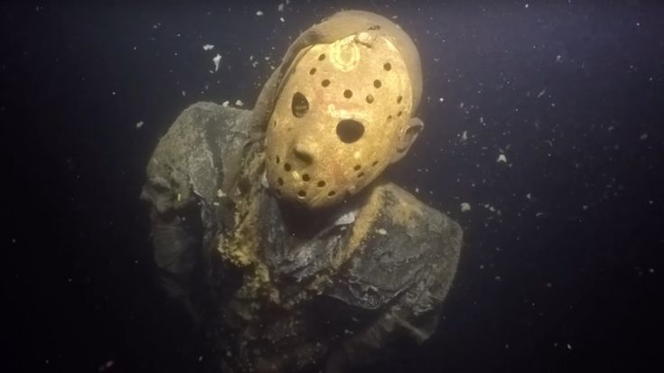 Friday the 13th - A Jason Voorhees Statue Lurks at the Bottom of a Minnesota Lake #movie #horror