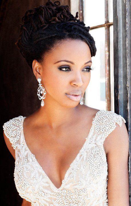 afro wedding hairstyles african american coiffure mariée, bride, mariage, wedding, hair, hairstyle, braid, updo, chignon, tresse, couronne fleurs, headband, casamento, penteado, noivas