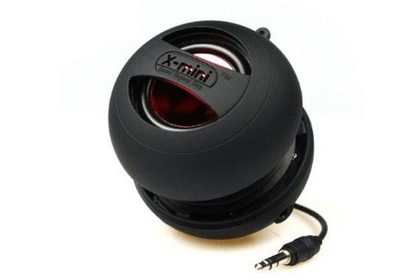 X-Mini II Capsule Speaker , gile nih speaker kecil2 cabe rawit . must have guys =D
