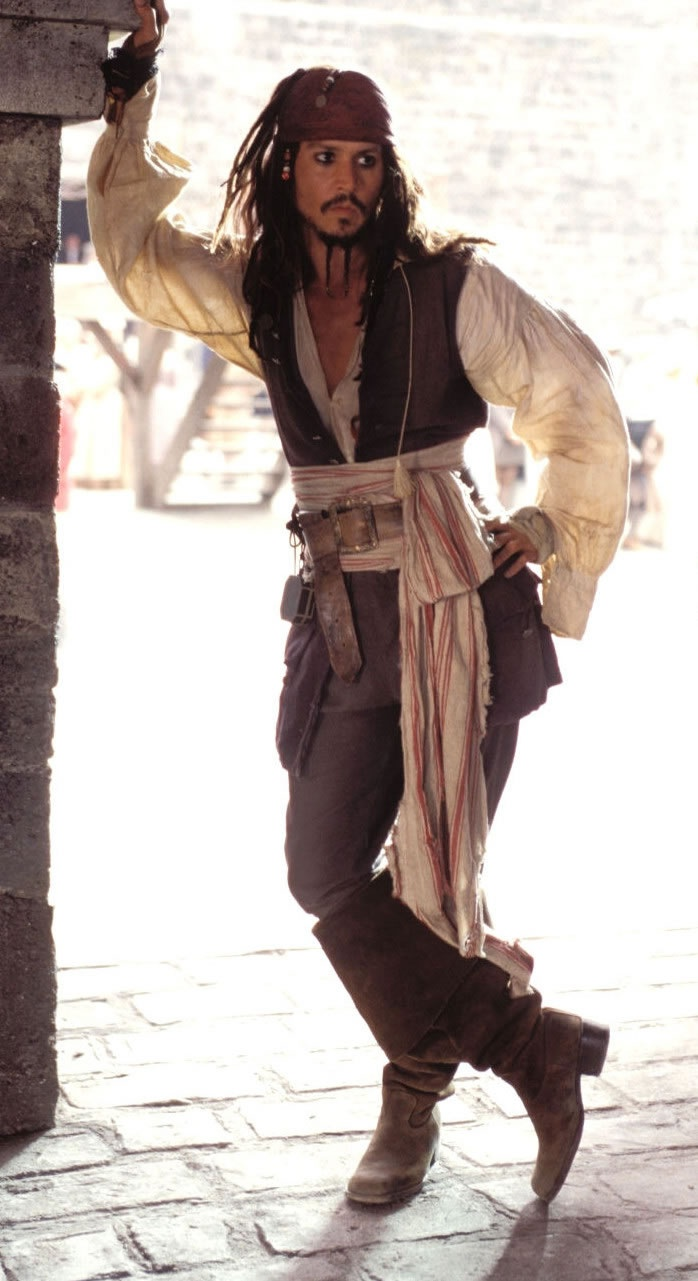 AAAAAARRRRRRGGGGGGHHHHH!!!!!!!! Jack Sparrow can sweep me off my feet any day.............oh yeah!!!!!!