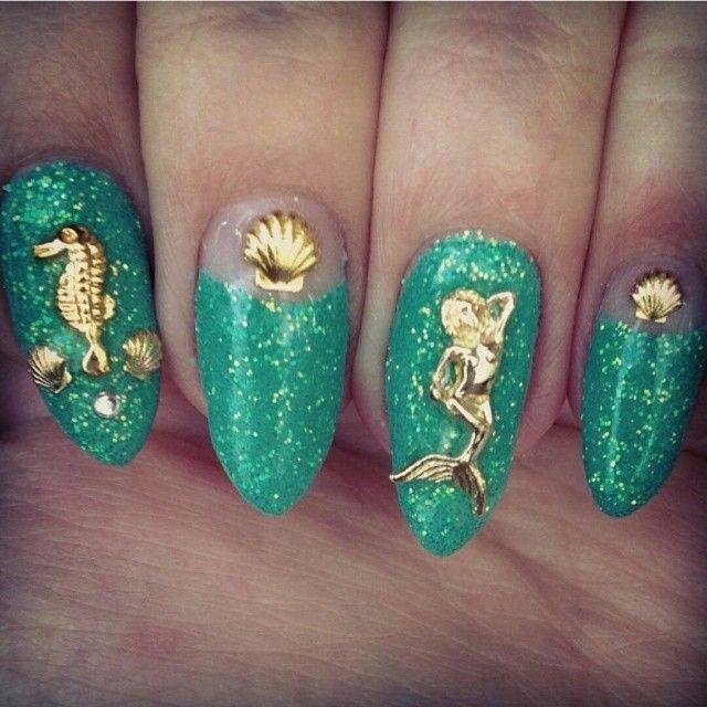 Mermaid nails In LOVEEEEE!!!!!!!!!