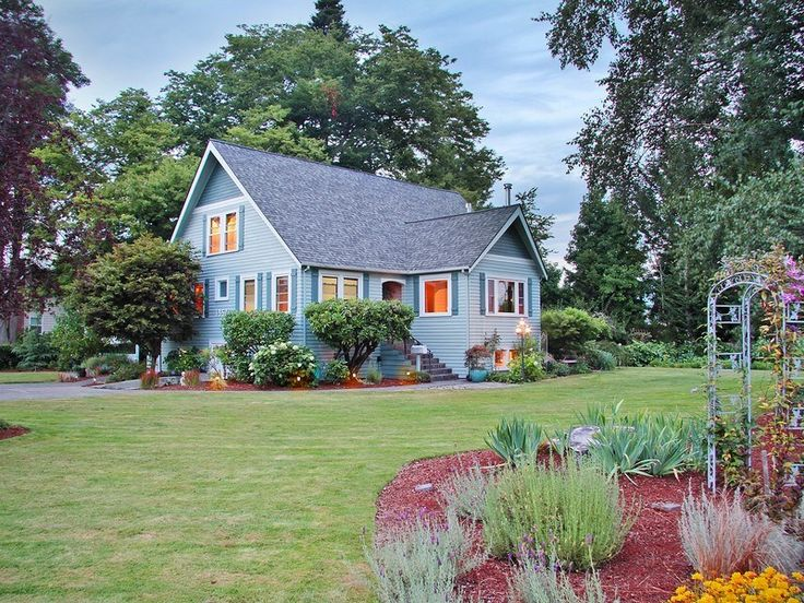 Classic enumclaw wa home on half acre on the market for for Half acre backyard landscaping ideas