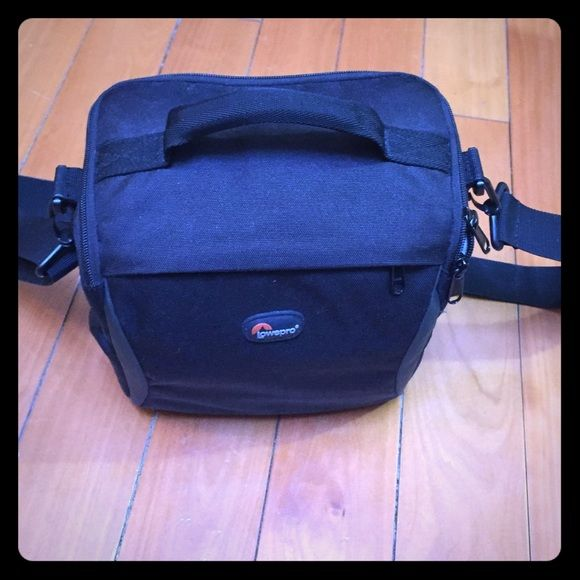 "Lowepro camera bag Used but mint condition, upgraded to a backpack hehe  8"" height, 8.5"" length , 5"" width Lowepro Bags"