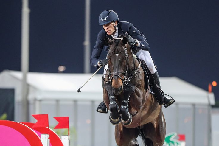 El jinete sueco Henrik von Eckermann ganó la clase estelar de la semana, guiando el grupo del €62.000 Grand Prix presentado por Longines