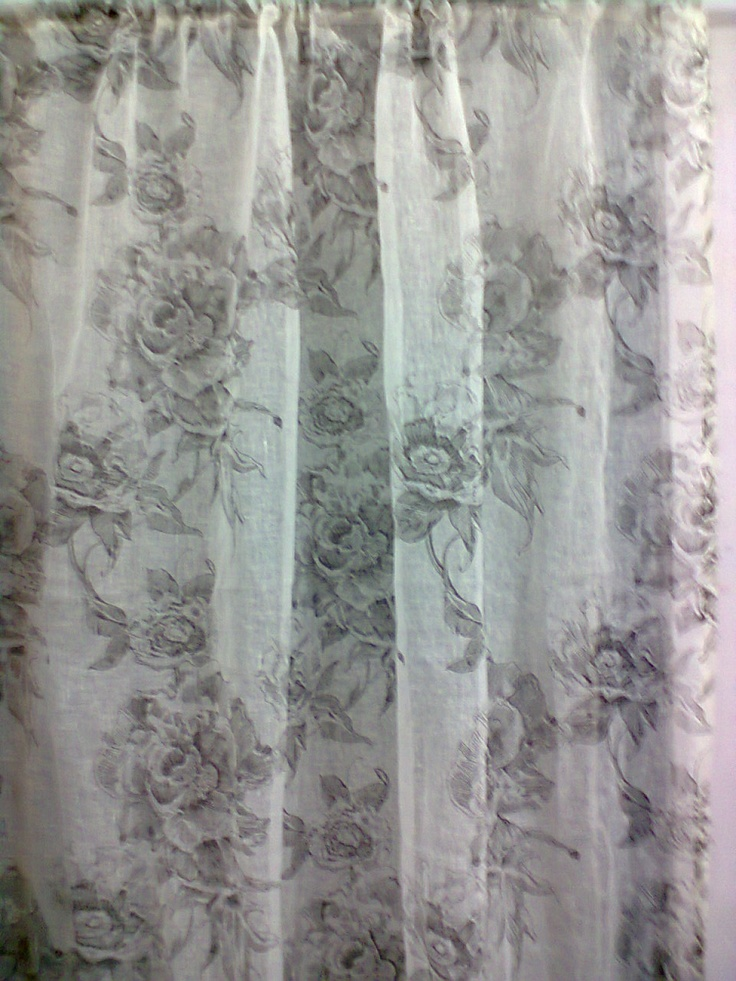 Fabric with flowers in thin cotton <3   For curtains, tablecloth or maybe a dress :) SussiLi Home