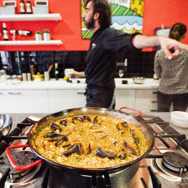 Paella workshop in Barcelona