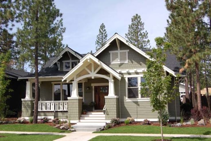Craftsman Style House Plan - 3 Beds 2 Baths 1749 Sq/Ft Plan #434-17 Photo - Houseplans.com. Reconfigure the Floorplan and it is a winner!