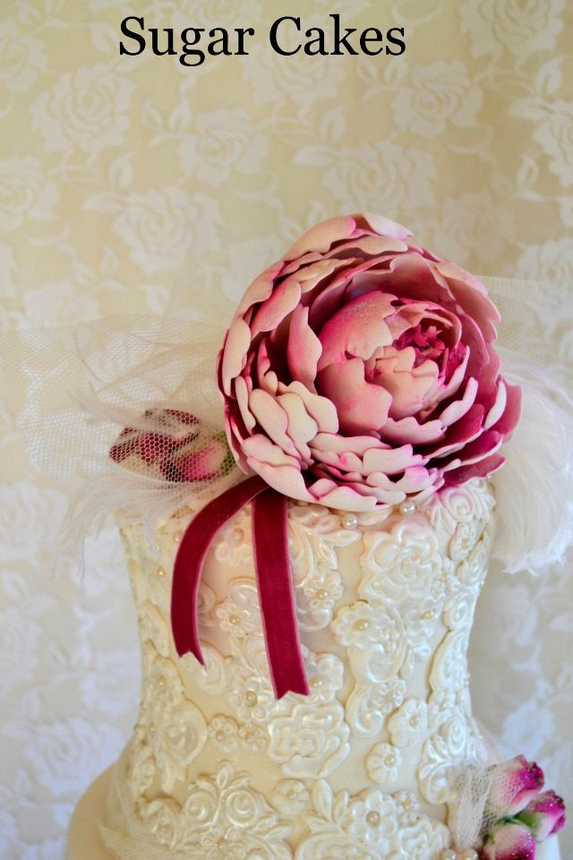 Vintage Lacy wedding cake
