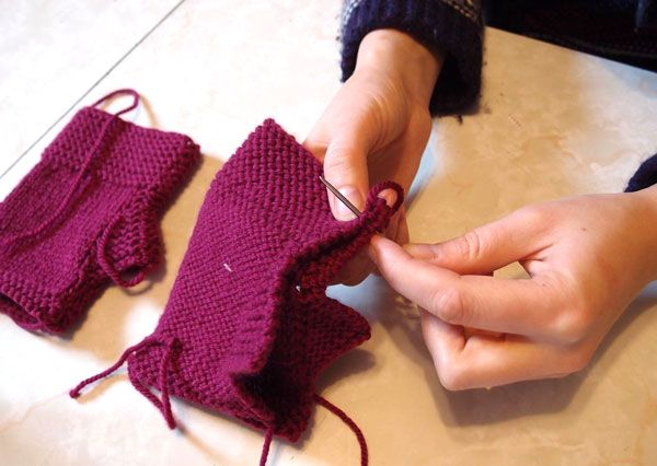 Knitting Mittens With Straight Needles : Cute fingerless mitts pattern for when i don t want to