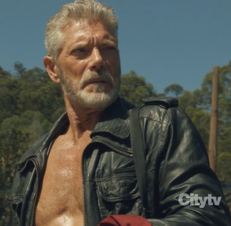 I, loyal fan of Stephen Lang aka Nathaniel Taylor, will suport if Terra Nova writers feels any need to write an episode named Narhanials day without shirt or Day when Nathaniel always end up in the lake.