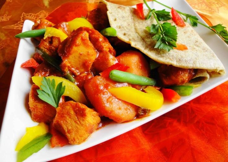 Roti Redie Masala (kip masala in rode masala saus)