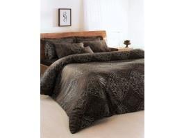Lenjerie pat din Bumbac Satinat, cu tesatura Jaquard si Dantela - 2 persoane   Tesatura Satin cu densitate 310 TC si fir Ne 60/1. Ambalat in cutie luxoasa, de culoare neagra, cu finisaj mat.