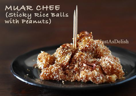 Penang Muar Chee (Sticky Rice Balls with Ground Peanuts)