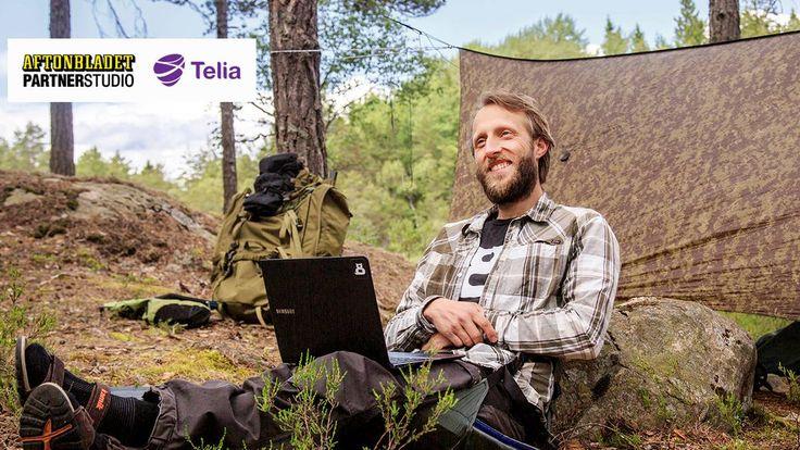 Thomas Backlund, 35, fick nog av knegarlivet, gjorde sig av med sin lägenhet och flyttade ut i skogen. För att programmera. – Det är det bästa av två världar, säger han.