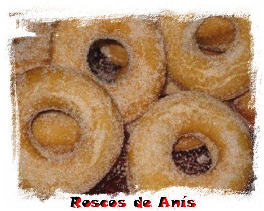 Los roscos de anís son sin duda, una de esas recetas que se suelen hacer por navidad o semana santa, ideales para las tardes en la que los pasos en Andalucía se hacen sonar a ritmo de silencio y cantos de saeta. Ingredientes Ralladura de un limón 2 huevos 1 vaso de anís 1 vaso …