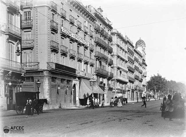 Avinguda del Portal de l'Àngel, Barcelona, 1901.