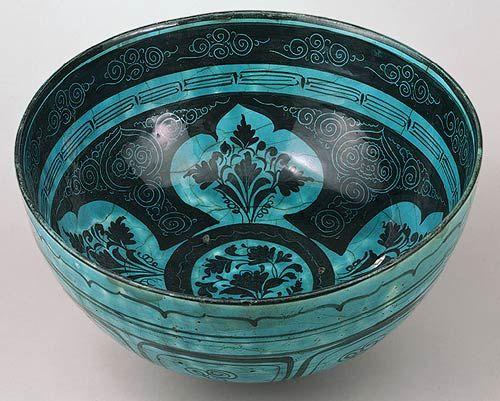 Bowl, second half of 15th century; Timurid  Northwestern Iran  Composite body, underglaze painted and incised   via metmuseum.org