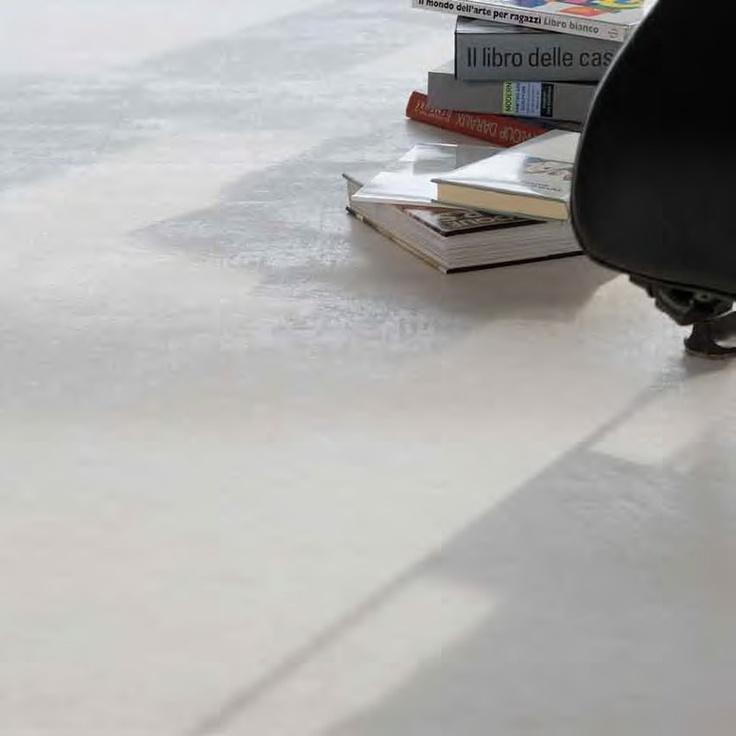 Carrelage gigacer concrete ice varia pinterest for Forets carrelage