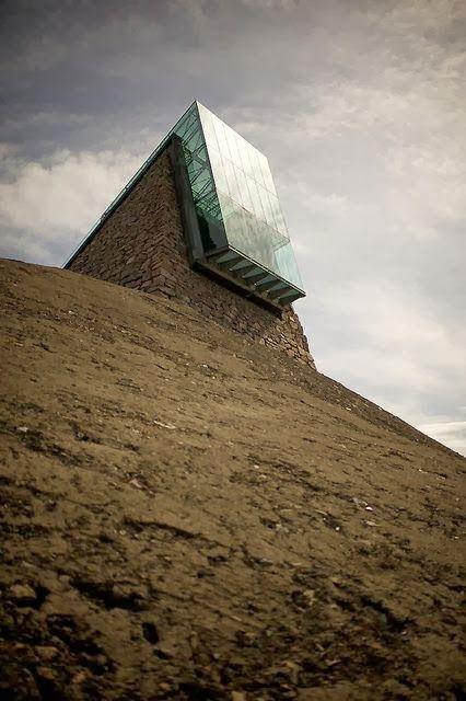 New Wonderful Photos: Spaceship Architecture