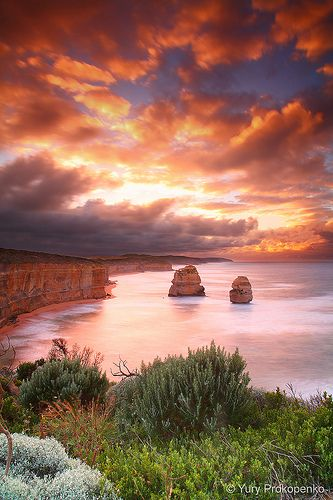 Sunrise, Twelve Apostles National Park, Australia | Yury Prokopenko via Flickr