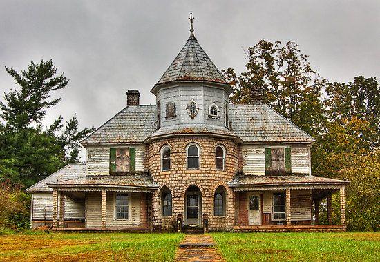 Abandoned, older home in Western North Carolina.