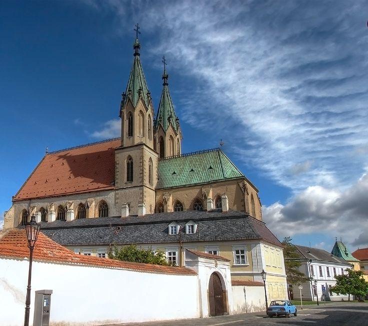 kostel sv. Mořice ( mesto Kroměříž, založen ve XIII stol.)
