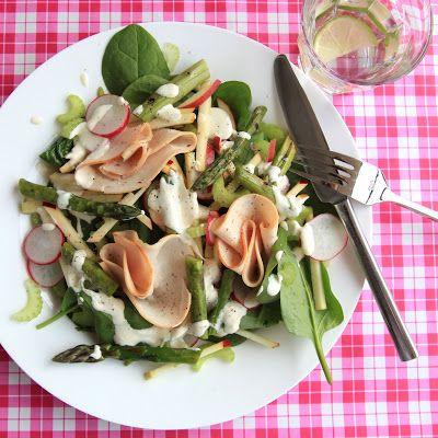 Lentesalade met kip en asperges