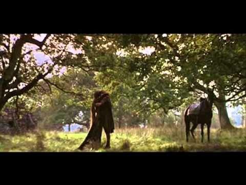 Los amante de la música folk y los sonidos celtas disfrutarán la BSO de BRAVEHEART, compuesta por JAMES HORNER. Banda sonora en donde imperan las gaitas en la parte melódica y los tambores en la parte rítmica (http://www.lacasadeel.net/2011/06/musica-de-pelicula-braveheart.html). Track 11 - For The Love Of A Princess