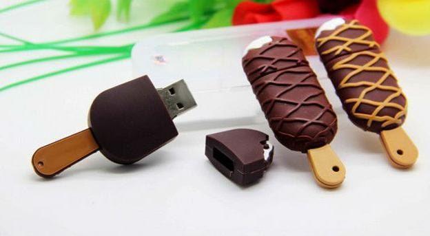 Lecteur flash USB de crème glacée par PinkyStyleStore sur Etsy https://www.etsy.com/ca-fr/listing/248636802/lecteur-flash-usb-de-creme-glacee