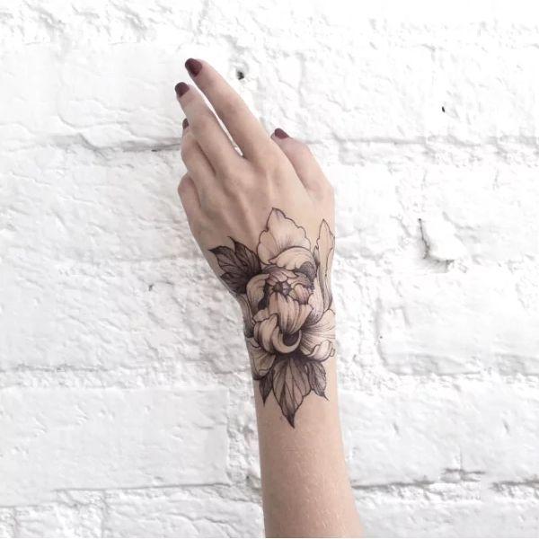 Dasha-Sumkina-Tattoo-004