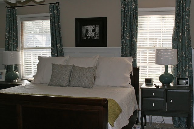 Bed Between Two Windows Glamorous Bedrooms I Pinterest Master Bedrooms Bed Placement And
