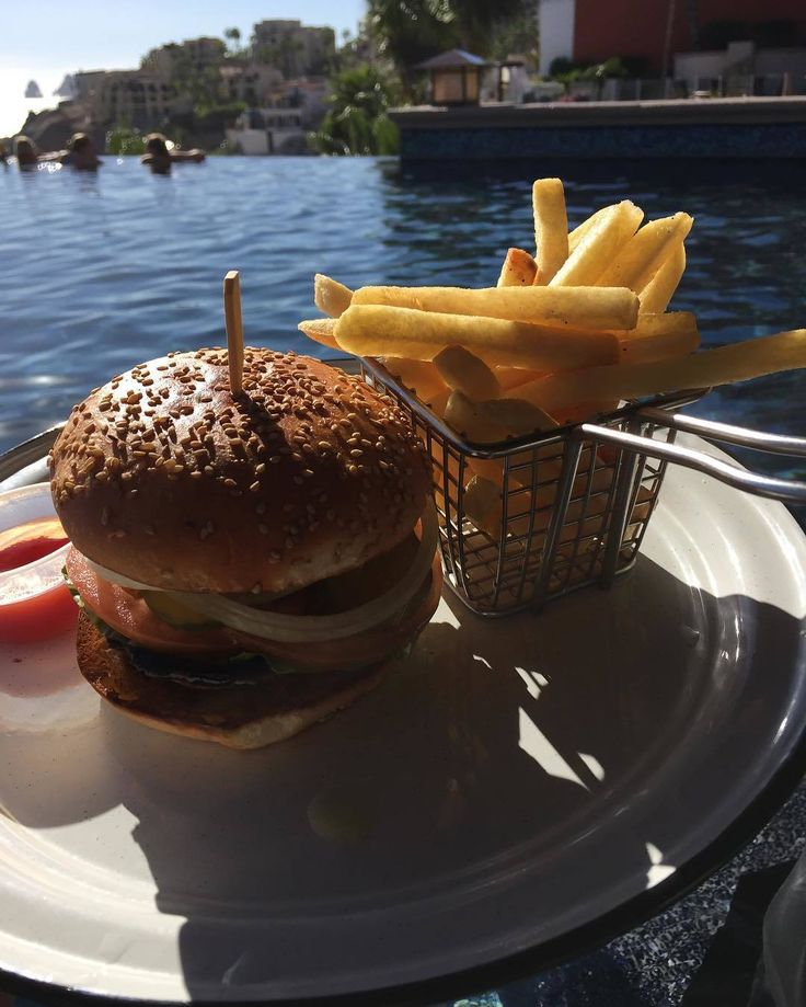 Every Wednesday is better poolside with a burger and fries at Sirena del Mar by Welk Resorts.