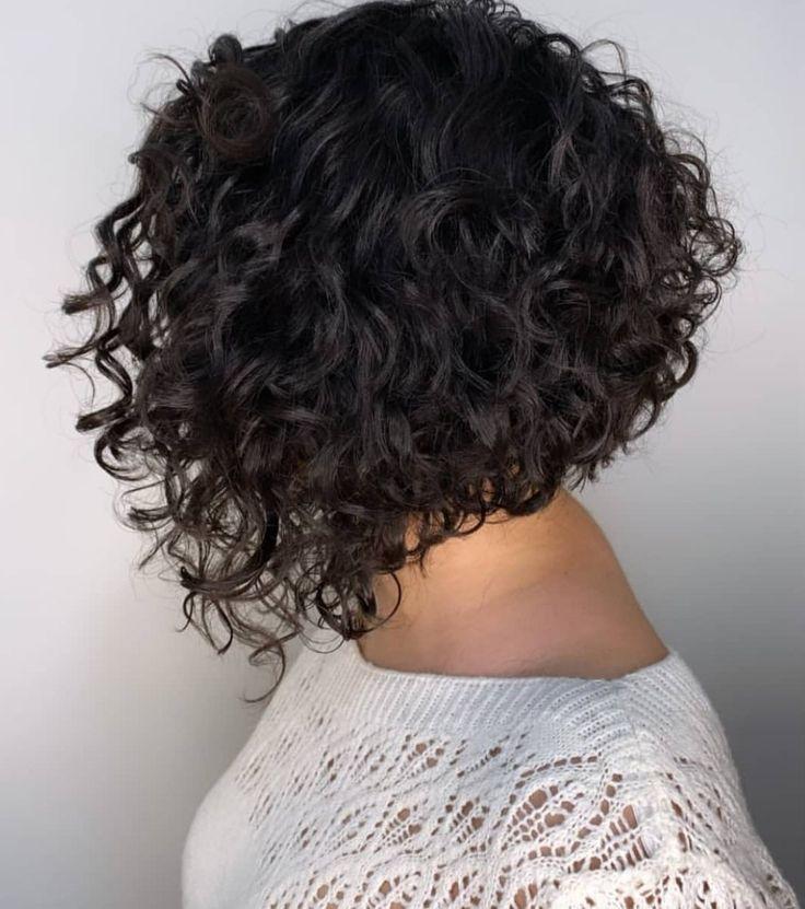 Pin em cabelo cacheado
