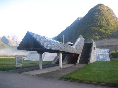 Bakgård: Norwegian Glacier Museum