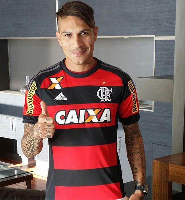 No Chile, Paolo Guerrero veste a camisa do Flamengo - Esportes - R7 Futebol
