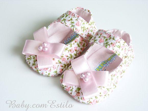 Sapato floral rosa