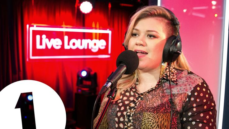 Kelly Clarkson Covers Rihanna's 'Better Have My Money' Lounge Music - [Video] - http://urbangyal.com/kelly-clarkson-covers-rihannas-better-have-my-money-lounge-music-video/