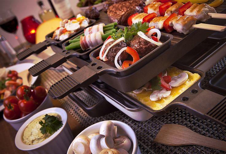 Die Zutaten für das Raclette können sehr vielfältig sein. Hier ein paar Ideen, welche auf dem heissen Stein angebraten oder zum Überbacken in das Pfännchen gegeben werden können.