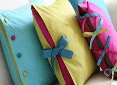 оригинальные диванные подушки с наволочками на шнуровке