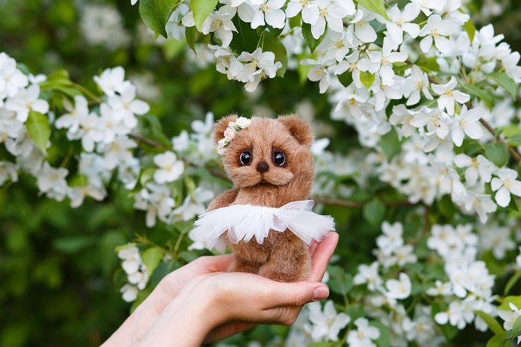 Artist collectible Teddy bear Miriam (OOAK) by TEDDYROOM on Etsy