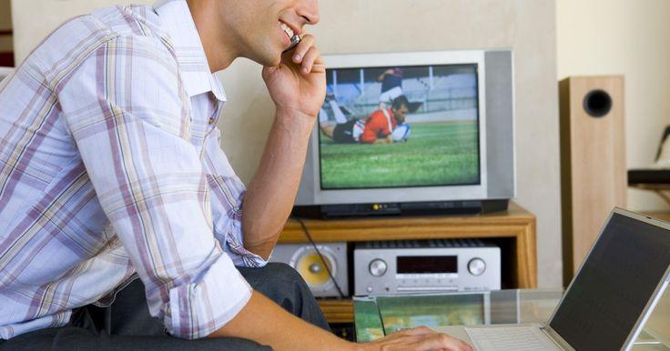 """Cómo conectar un televisor Samsung a Internet. Samsung ha publicado guías de """"cómo hacerlo"""" en Internet que te ayudarán a conectar el televisor a la red doméstica. Estas instrucciones paso a paso, vienen con imágenes de pantallas de configuración que se pueden ver en tu propia televisión. Si necesitas solucionar problemas, puedes contactar a los agentes del soporte técnico en el sitio web de ..."""