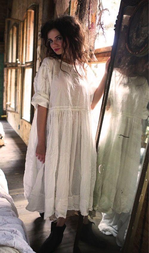 Magnolia Pearl Official Web Store : Beautiful Wear-Organic European Poplin and Thin Cotton Jonna Dress with Hand Sewn Skirt and Antiqued Snaps BY: MAGNOLIA PEARL $300.00