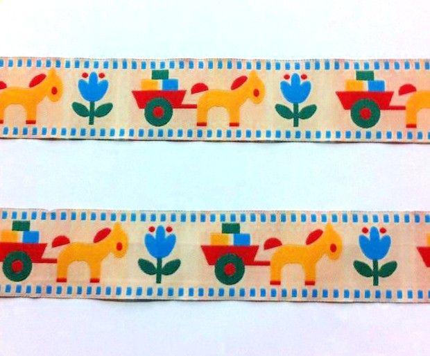 Με το Μέτρο: Κορδέλα Διακοσμητική Υφασμάτινη ιδανική για ραφή σε υφάσματα. Φάρδος: 4,00cm