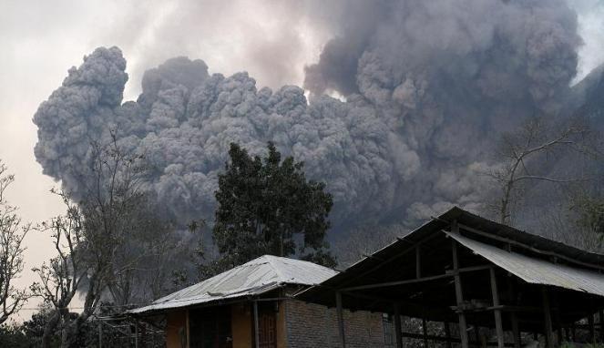 Waspadai Geliat 19 Gunung Berapi di Indonesia - http://www.gaptekupdate.com/2014/02/waspadai-geliat-19-gunung-berapi-di-indonesia/