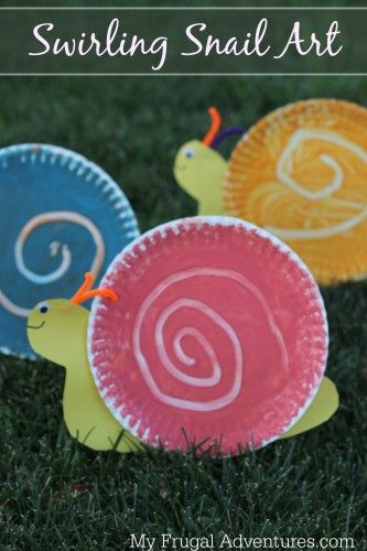Easy swirling snail children's art project. Snail craft for kids. #preschool #kidscrafts #efl #education #upcycle (repinned by Super Simple Songs)