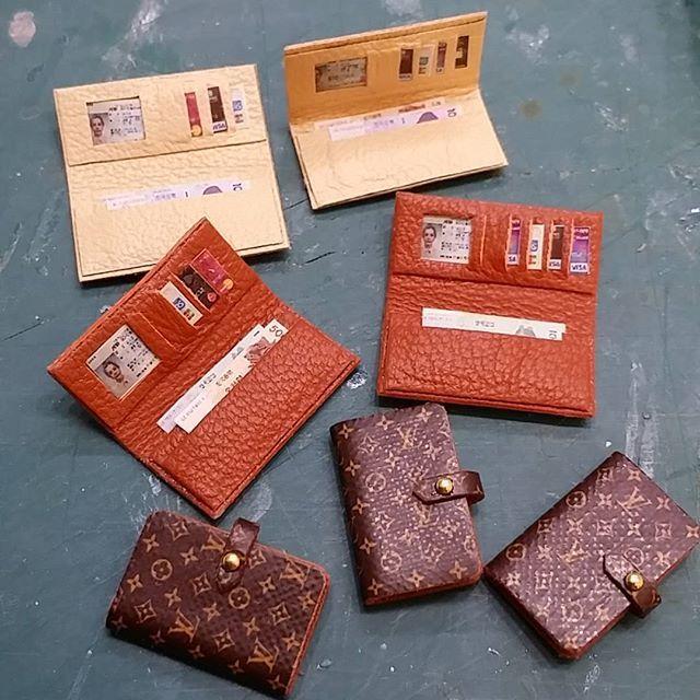 photo by 2016... #루이비통지갑 #루이비통다이어리 #루이비통 #지갑 #다이어리 #미니어쳐지갑 #만들기 #공예 #수공예 #핸드메이드 #취미 #미니어쳐 #돌하우스 #miniature #miniatures #dollhouse #miniaturewallet #leatherwallet #wallet #diary #louisvuitton #make #hobby #craft #handmade